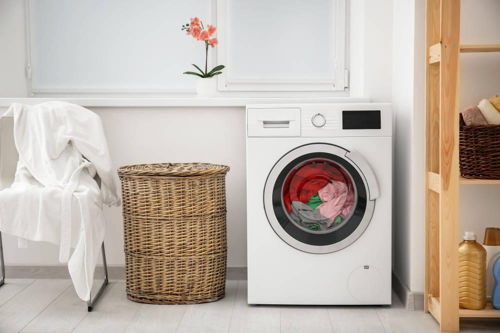 Ahorrar el espacio de la lavadora implica una mejora en comodidad y en el estilismo del hogar
