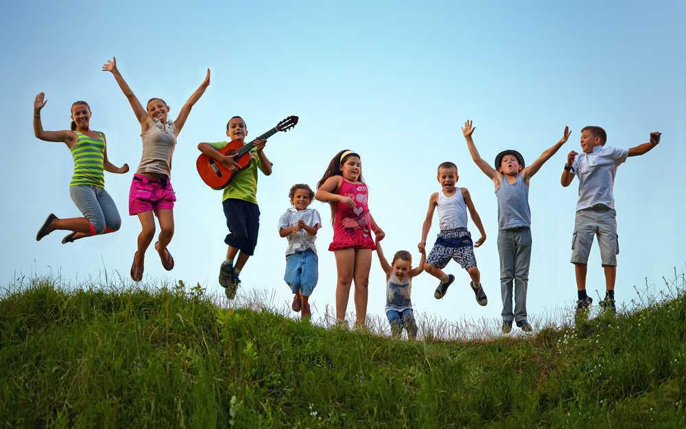¿Por qué es bueno llevar a tus hijos a un campamento de verano?
